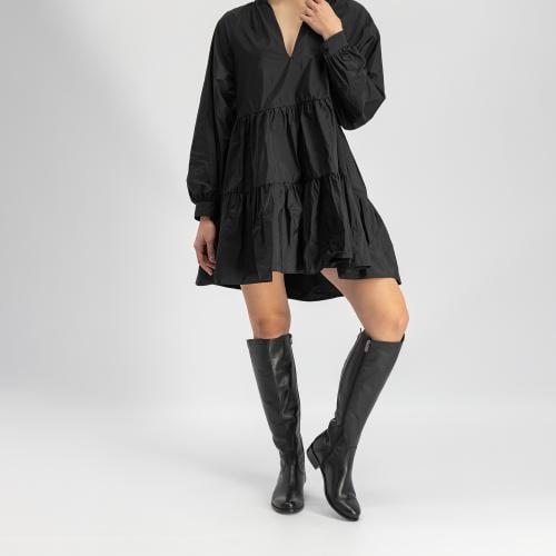 Czarne klasyczne kozaki damskie na płaskiej podeszwie 7721-51