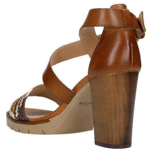 Brązowe sandały damskie na słupku z minikolekcji offbeat artisan 76031-82