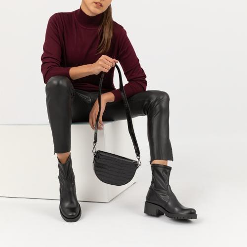Mała czarna torebka damska z motywem zwierzęcym 80065-51