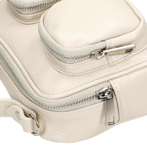 Beżowa torebka damska z zewnętrznymi kieszonkami 80161-54