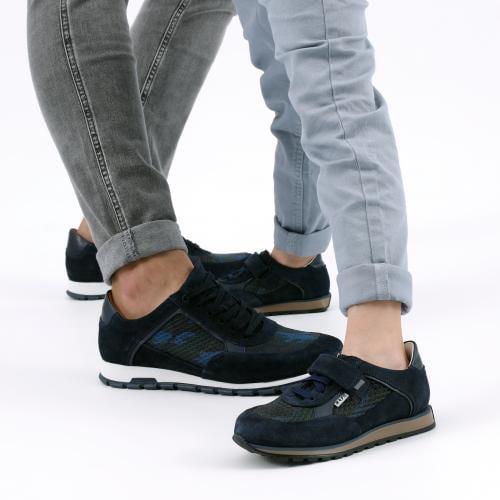 Granatowe sznurowane sneakersy męskie  10082-76