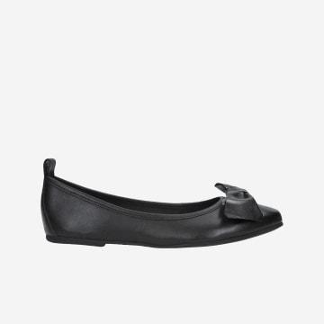 Klasické čierne dámske balerínky z lícovej kože 44007-51