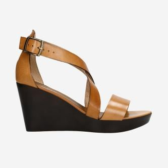 Jasnobrązowe sandały damskie na koturnie 76024-53