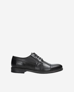 Černé pánské kožené boty s jemným vzorem 9070-51
