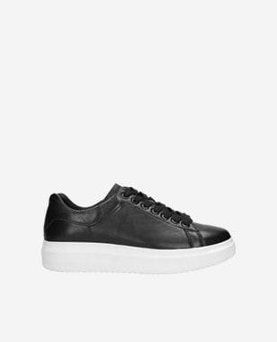 Štýlové pánske sneakersy z čiernej lícovej kože 46020-51