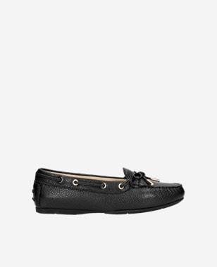 Čierne dámske balerínky – slip-on obuv na každú príležitosť 46035-51