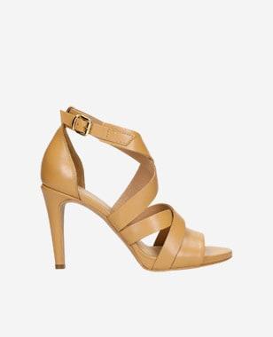 Beżowe sandały damskie na szpilce na lato 76045-52