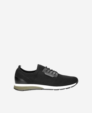 Pánska športová obuv v obľúbenej čiernej farbe 10085-81